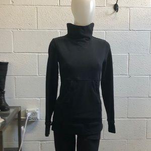Lululemon black hi neck sweat shirt sz 2 61653
